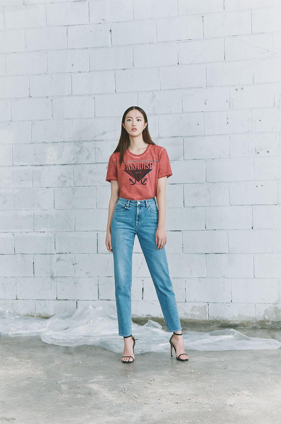 한세엠케이 버커루, 올 여름 홈캉스족의 패션코드 '핫썸머 티셔츠' 입고 시원한 랜선 여행 즐긴다!